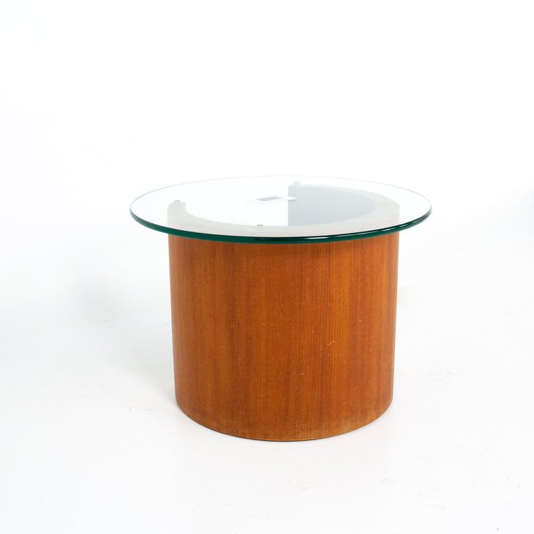 Midcentury Walnut Side End Table In Good Condition For Sale In La Grange, IL