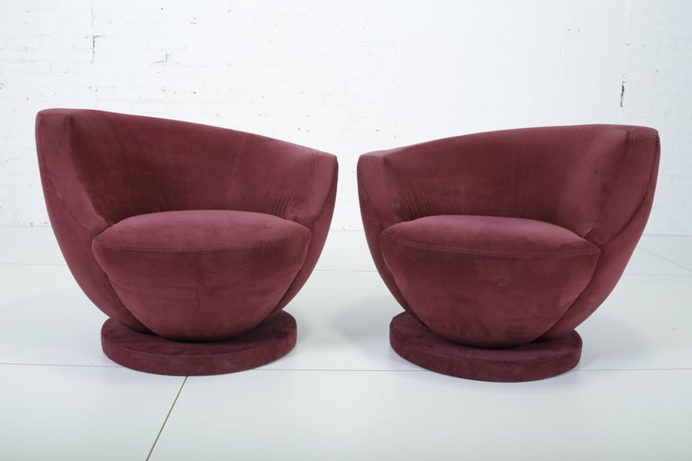 Vladimir Kagan Swivel Chairs for Directional In Good Condition For Sale In Chicago, IL
