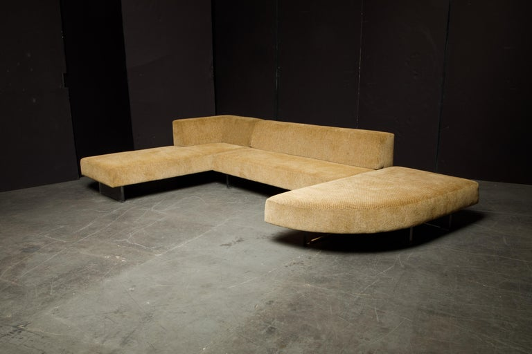Vladimir Kagan Three Piece 'Omnibus' Sectional Sofa with Lucite Legs, Signed For Sale 5