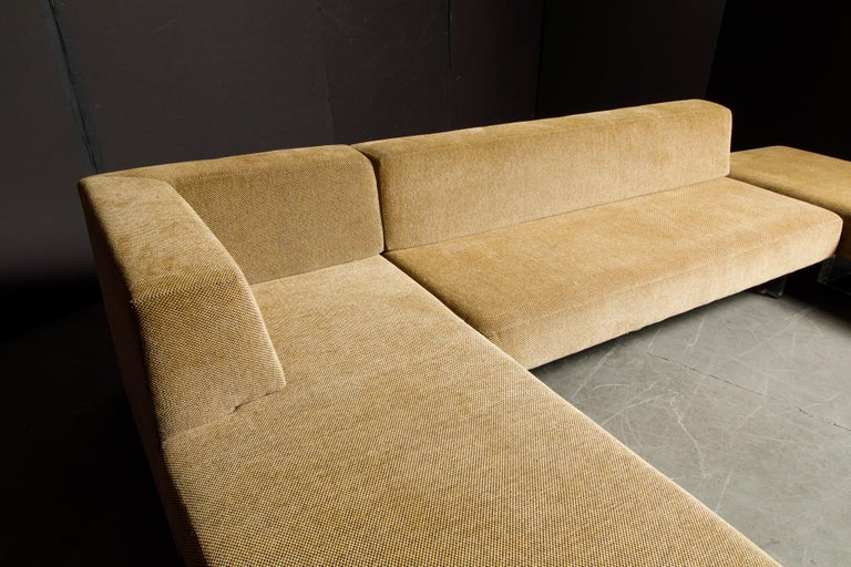 Vladimir Kagan Three Piece 'Omnibus' Sectional Sofa with Lucite Legs, Signed For Sale 6