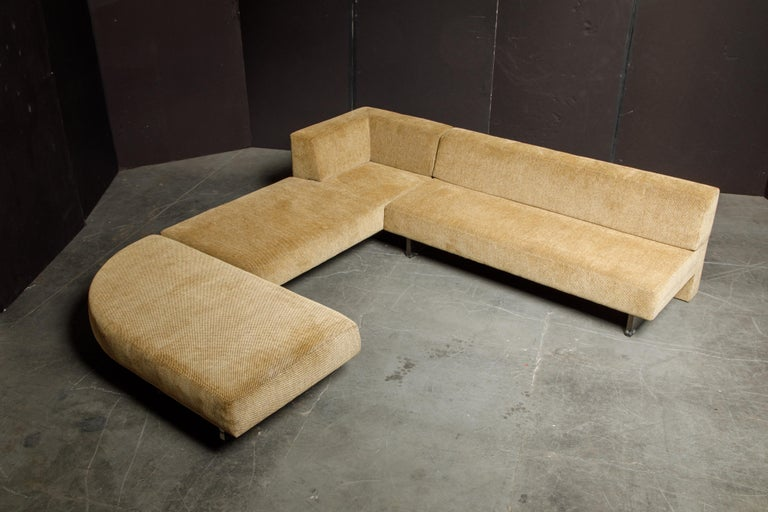 Vladimir Kagan Three Piece 'Omnibus' Sectional Sofa with Lucite Legs, Signed In Good Condition For Sale In Los Angeles, CA