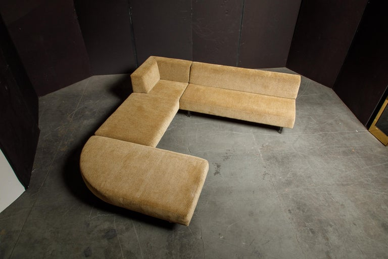 Contemporary Vladimir Kagan Three Piece 'Omnibus' Sectional Sofa with Lucite Legs, Signed For Sale
