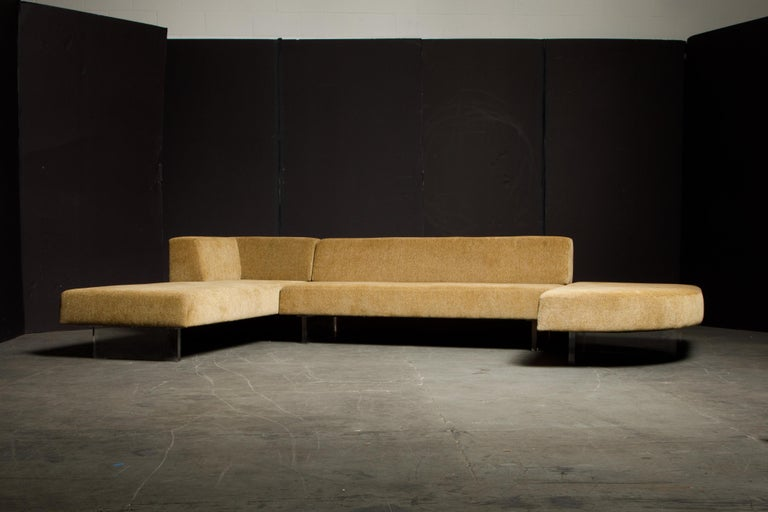 Vladimir Kagan Three Piece 'Omnibus' Sectional Sofa with Lucite Legs, Signed For Sale 3
