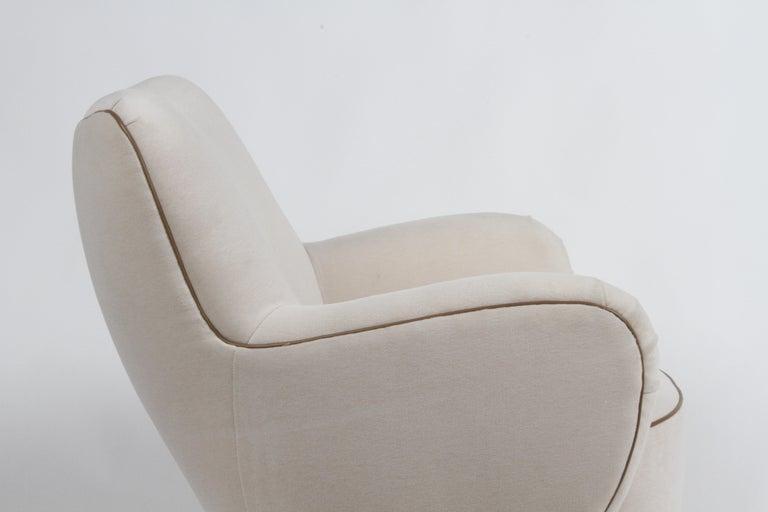 Vladimir Kagan Tilt-Swivel Barrel Lounge Chair Model 100-S w/ Holly Hunt Velvet For Sale 3