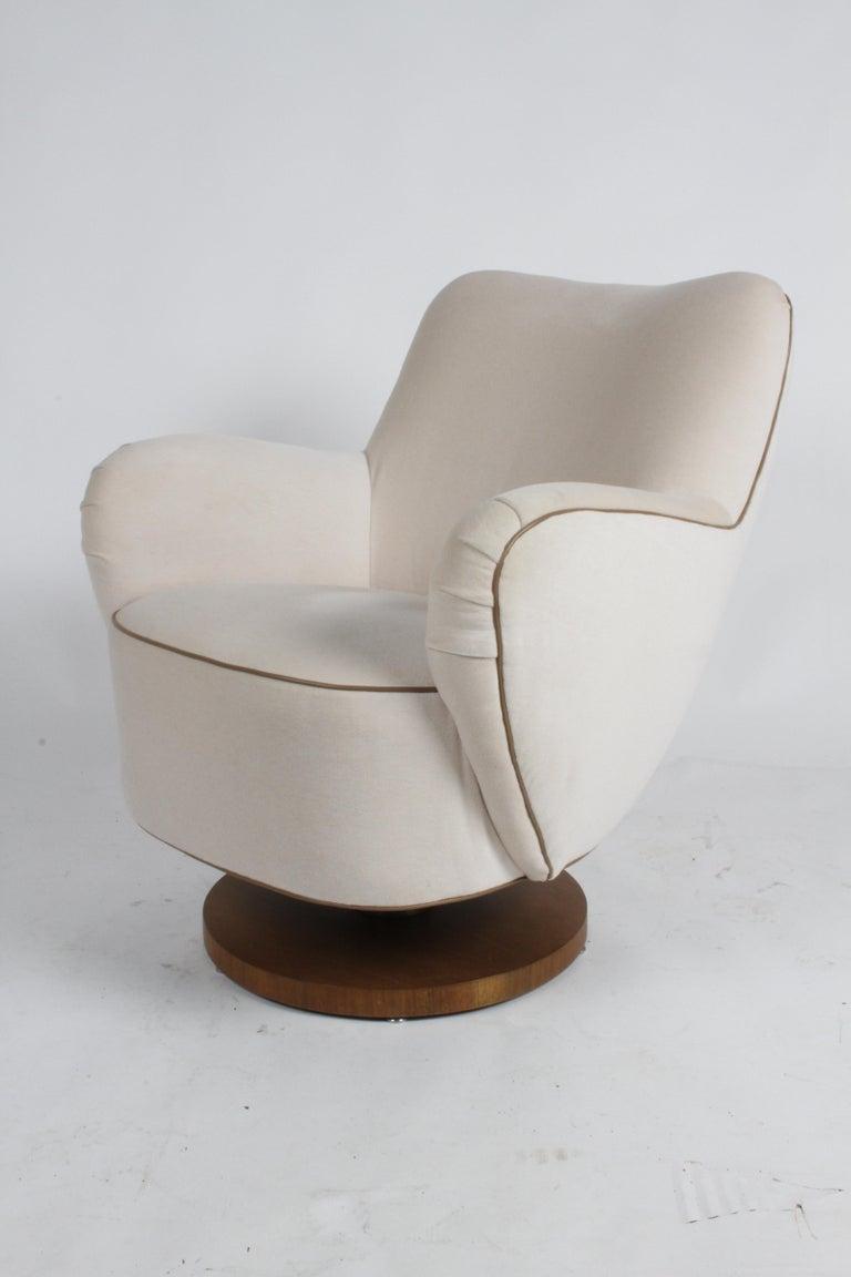 Mid-Century Modern Vladimir Kagan Tilt-Swivel Barrel Lounge Chair Model 100-S w/ Holly Hunt Velvet For Sale
