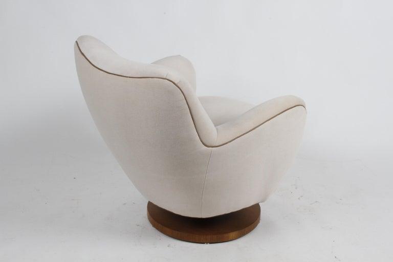 Vladimir Kagan Tilt-Swivel Barrel Lounge Chair Model 100-S w/ Holly Hunt Velvet For Sale 1