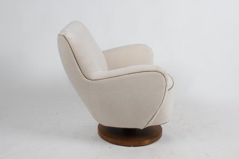 Vladimir Kagan Tilt-Swivel Barrel Lounge Chair Model 100-S w/ Holly Hunt Velvet For Sale 2