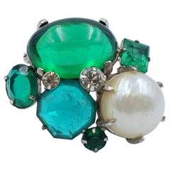 Vogue Green Pearl Bijoux Vintage Brooch