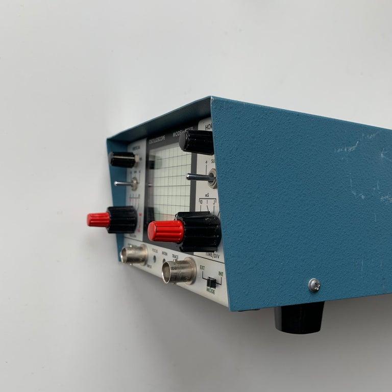 VU DATA Corporation Series PS121 Mini-Portable Oscilloscope For Sale 5