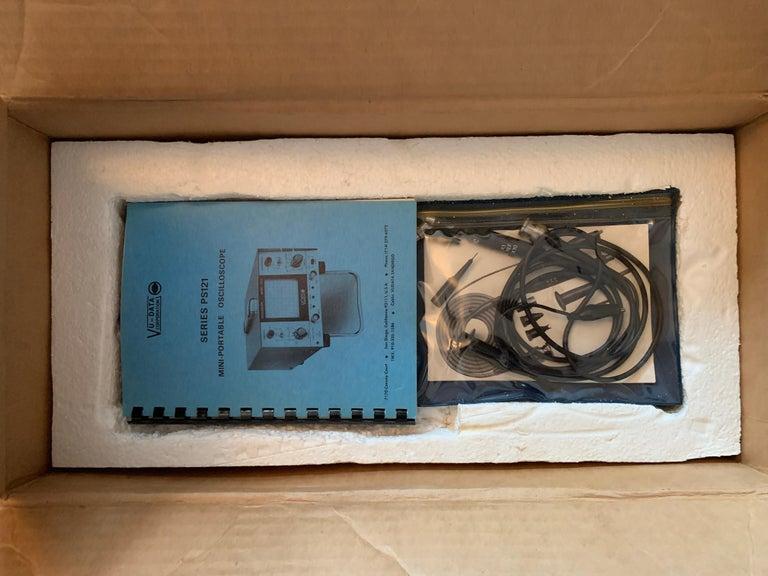 Late 20th Century VU DATA Corporation Series PS121 Mini-Portable Oscilloscope For Sale