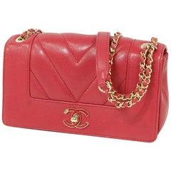 W flap  chain shoulder\ V stitch  shoulder bag  magenta x gold hardware Leather