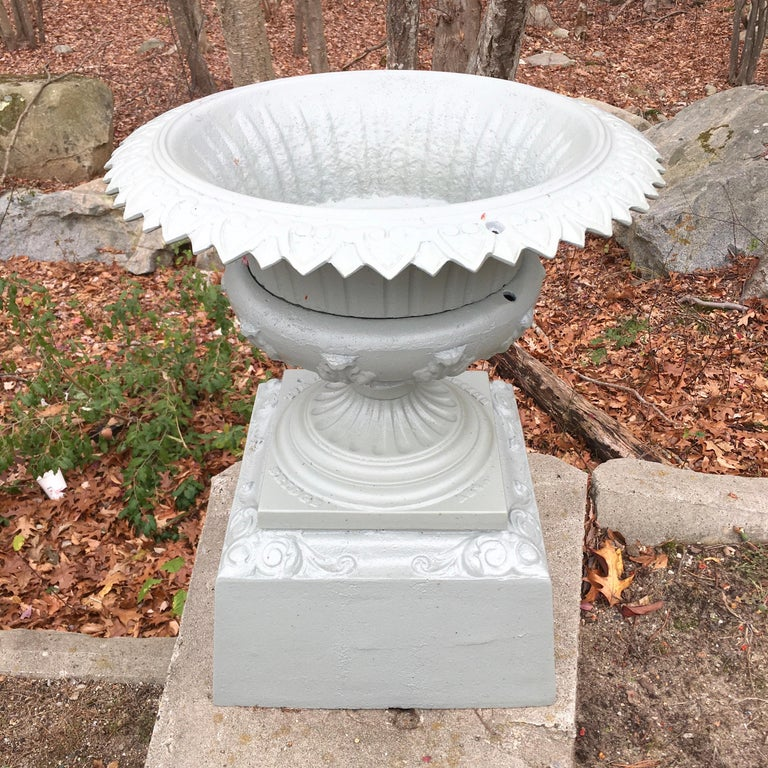 Walbridge of Buffalo Cast Iron Reservoir Vase For Sale 10