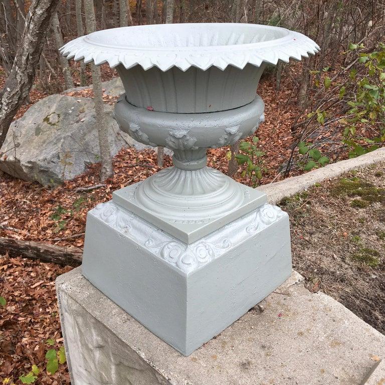 Walbridge of Buffalo Cast Iron Reservoir Vase For Sale 12