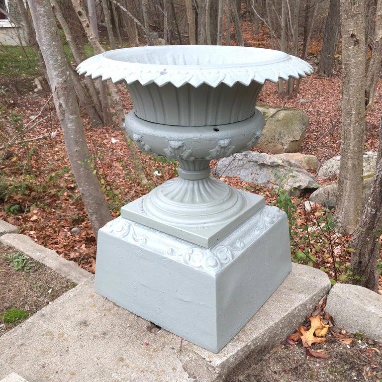 Walbridge of Buffalo Cast Iron Reservoir Vase For Sale 13