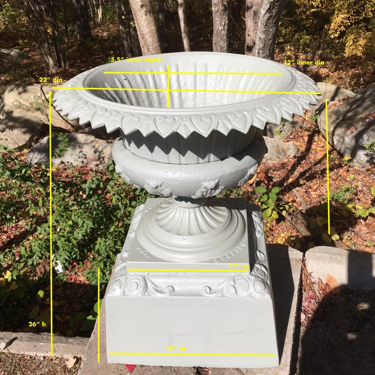 Neoclassical Walbridge of Buffalo Cast Iron Reservoir Vase For Sale