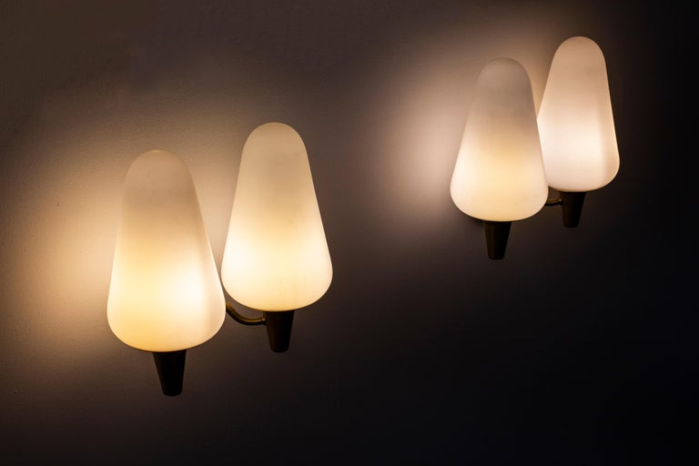 Wall Lamps in Brass and Glass by Böhlmarks Lamp Fabric, Sweden For Sale 4