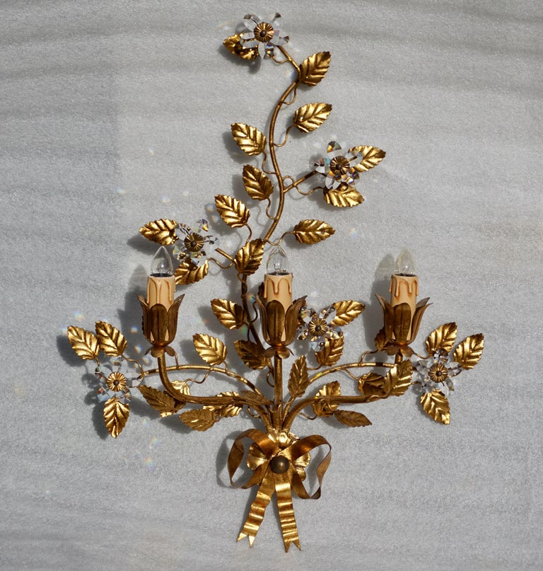 Mid-Century Modern Wall Light in Brass with Crystal Flowers For Sale