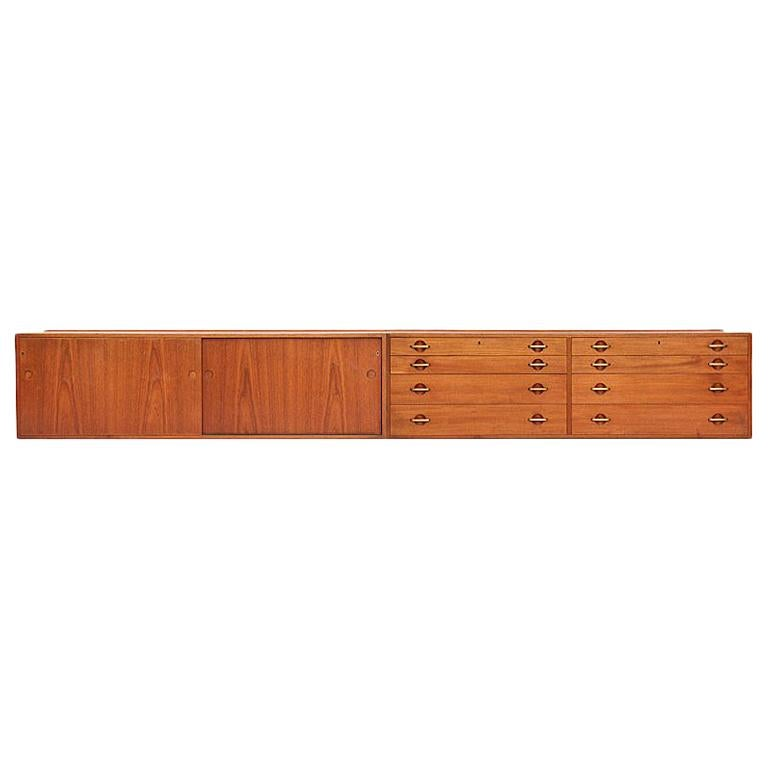 Charmant Wall Mount Cabinets By Hans Wegner For Johannes Hansen For Sale