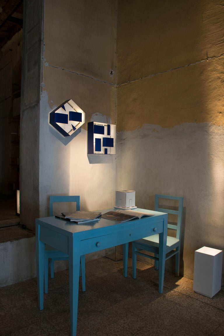 Wall Sconce Screen of Light Design Gio Ponti Limited Edition Varnished Blue In New Condition For Sale In Milan, IT