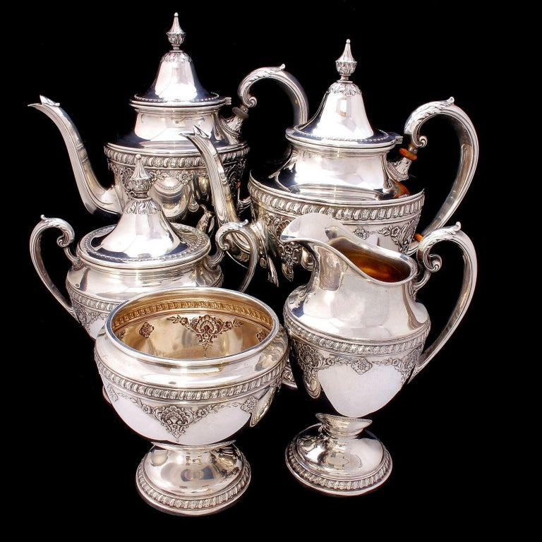 Wallace Sir Christopher Sterling Silver Tea and Coffee Pot Set 4050 For Sale 5