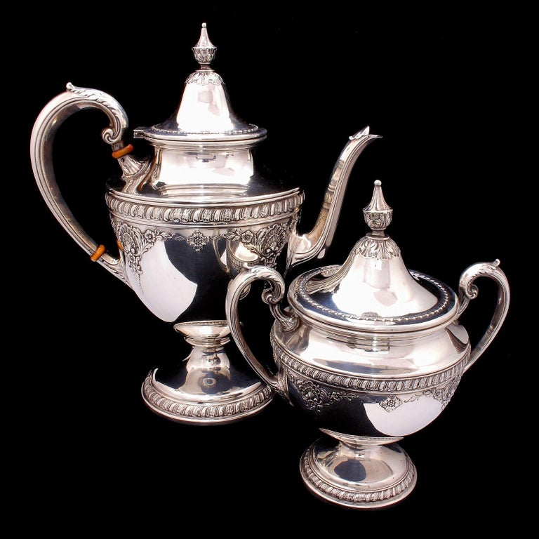 Women's or Men's Wallace Sir Christopher Sterling Silver Tea and Coffee Pot Set 4050 For Sale