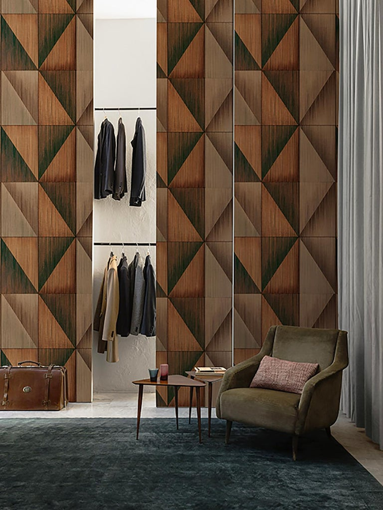 Wall&decò turns from photographs to wall paintings, from tromp-l'oeils to macro-designs on material backgrounds into a vertical wall pattern, with truly original visual effects.