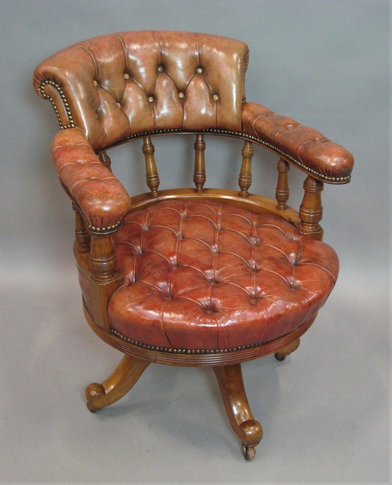 Walnut and Leather Revolving Desk Chair, 19th Century 18