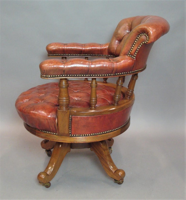 Walnut and Leather Revolving Desk Chair, 19th Century 4