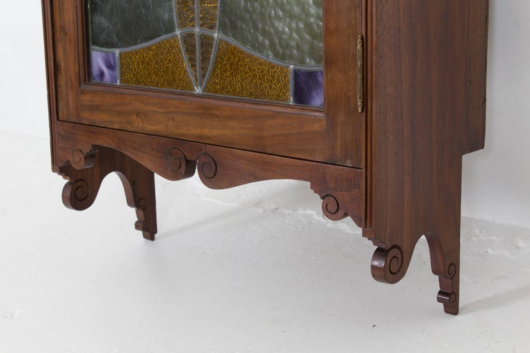 Walnut Art Nouveau Wall Cabinet with Original Stained Glass, 1900s For Sale 2
