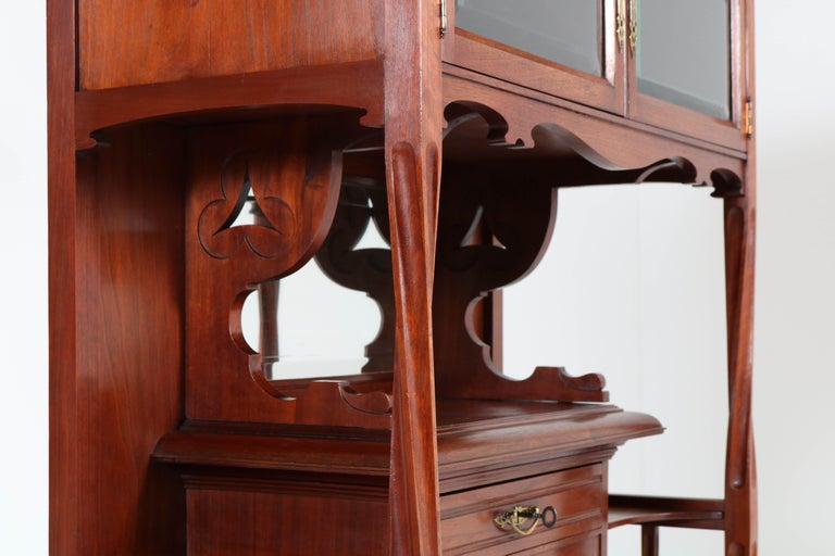 Early 20th Century Walnut Arts & Crafts Art Nouveau Cabinet by Royal H.P. Mutters & Zoon, 1900s For Sale