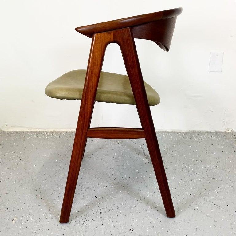 Mid-Century Modern Walnut Compass Chair by Erik Kirkegaard for Høng Stolefabrik and DUX