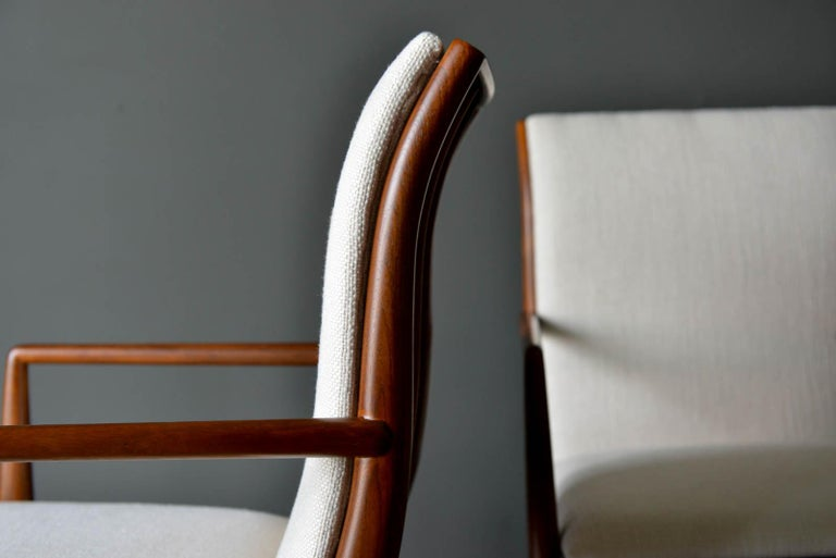 Walnut Dining Chairs by T.H. Robsjohn-Gibbings for Widdicomb, ca. 1960 For Sale 6
