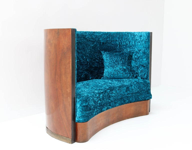 Walnut French Art Deco Settee or Sofa, 1930s For Sale 1