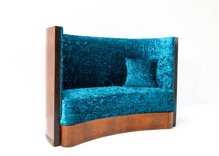 Walnut French Art Deco Settee or Sofa, 1930s For Sale 3