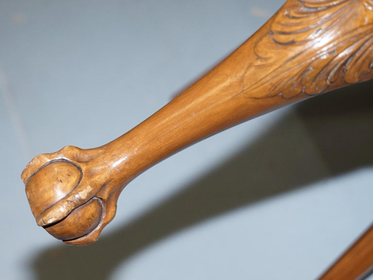 Walnut George II Style Claw and Ball Acanthus Carved Legs Chesterfield Armchair For Sale 14