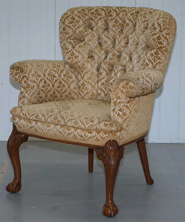English Walnut George II Style Claw and Ball Acanthus Carved Legs Chesterfield Armchair For Sale