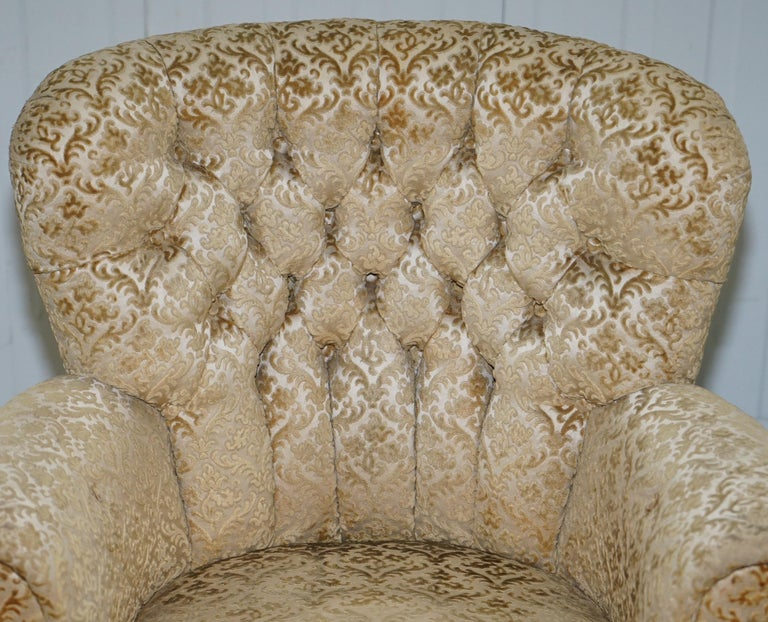 Leather Walnut George II Style Claw and Ball Acanthus Carved Legs Chesterfield Armchair For Sale