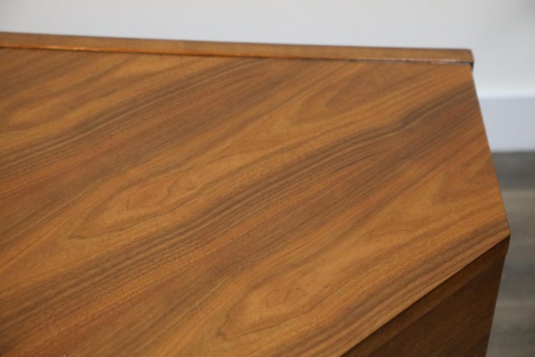 Walnut Hexagon Desk by Edward Wormley for Dunbar, Signed, circa 1960 For Sale 8