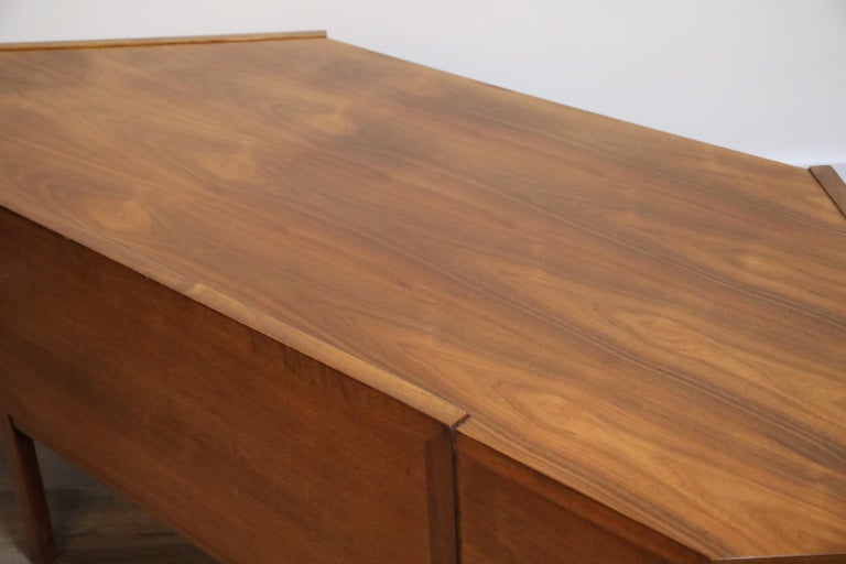Walnut Hexagon Desk by Edward Wormley for Dunbar, Signed, circa 1960 For Sale 11