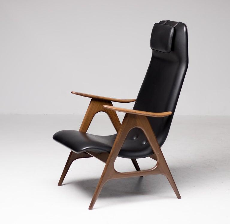 Walnut Lounge Chair by Louis van Teeffelen For Sale 3