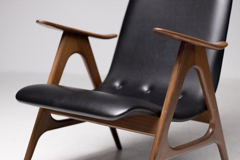 Walnut Lounge Chair by Louis van Teeffelen For Sale 4