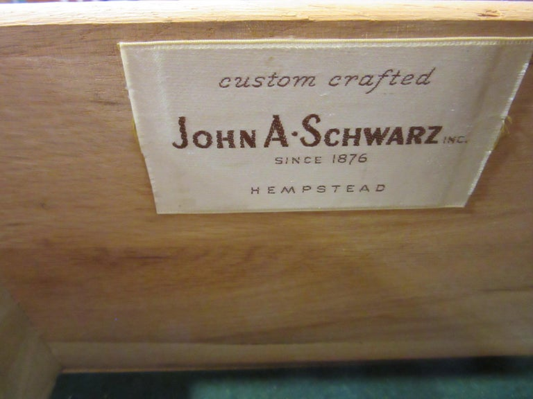 Mid Century Credenza / Cabinet in Walnut  For Sale 5