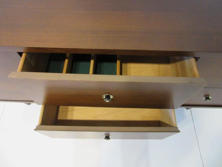 Mid Century Credenza / Cabinet in Walnut  For Sale 1