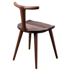 Walnut Oxbend Chair by Fernweh Woodworking