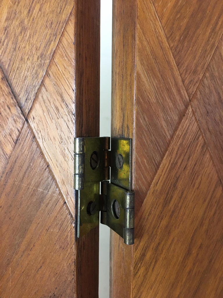Walnut Parquet 3-Panel Screen In Good Condition For Sale In Philadelphia, PA
