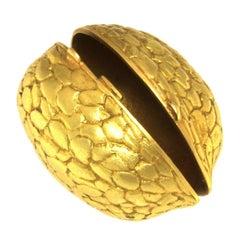 Walnut Pill Box in 18 Karat Gold