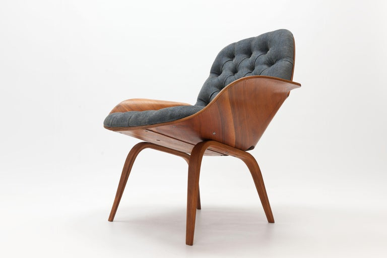 Walnut Plywood 'Mrs' Lounge Chair by George Mulhauser by Plycraft For Sale 6