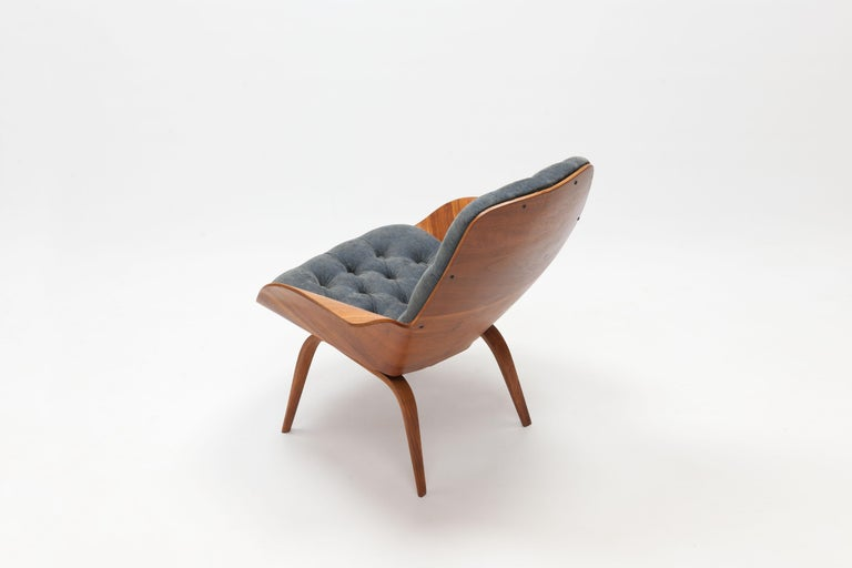 Mid-Century Modern Walnut Plywood 'Mrs' Lounge Chair by George Mulhauser by Plycraft For Sale