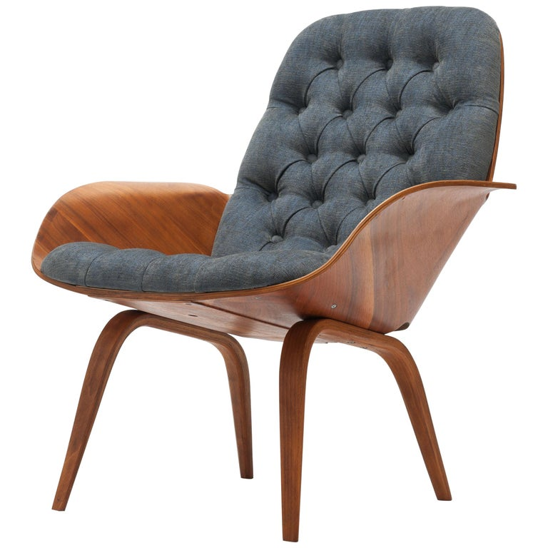 Walnut Plywood 'Mrs' Lounge Chair by George Mulhauser by Plycraft For Sale