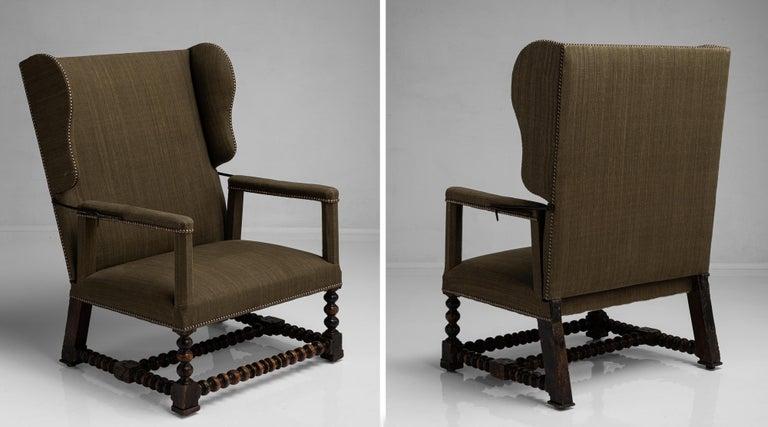 Walnut Reclining Armchair, France circa 1780 For Sale 2
